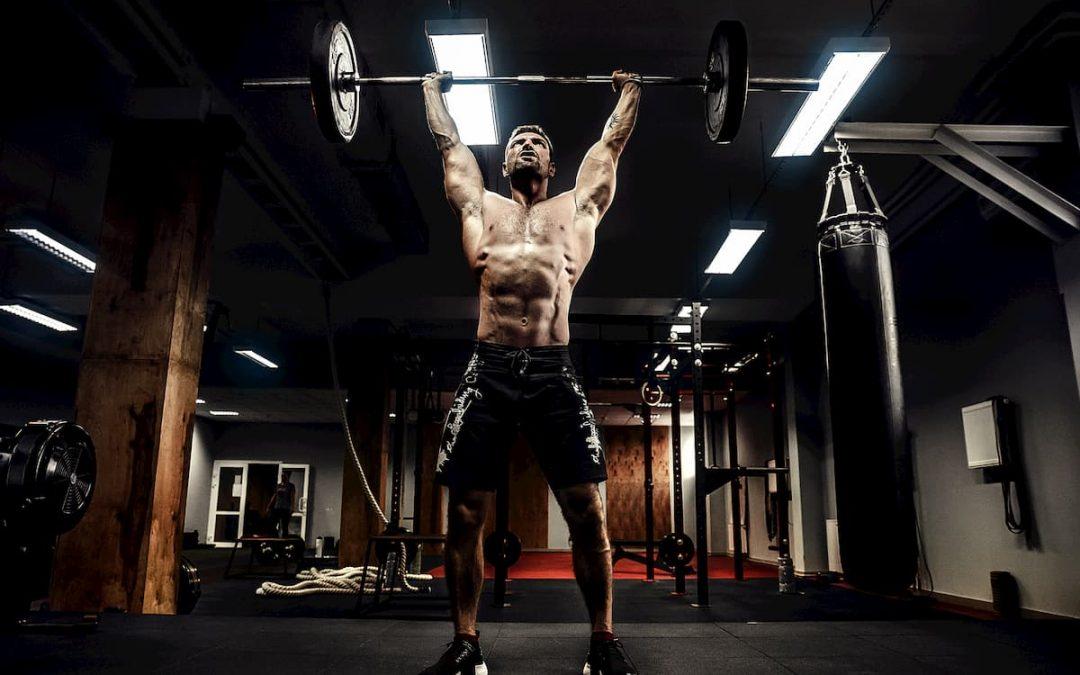 7 Exercices de résistance essentiels pour les arts martiaux